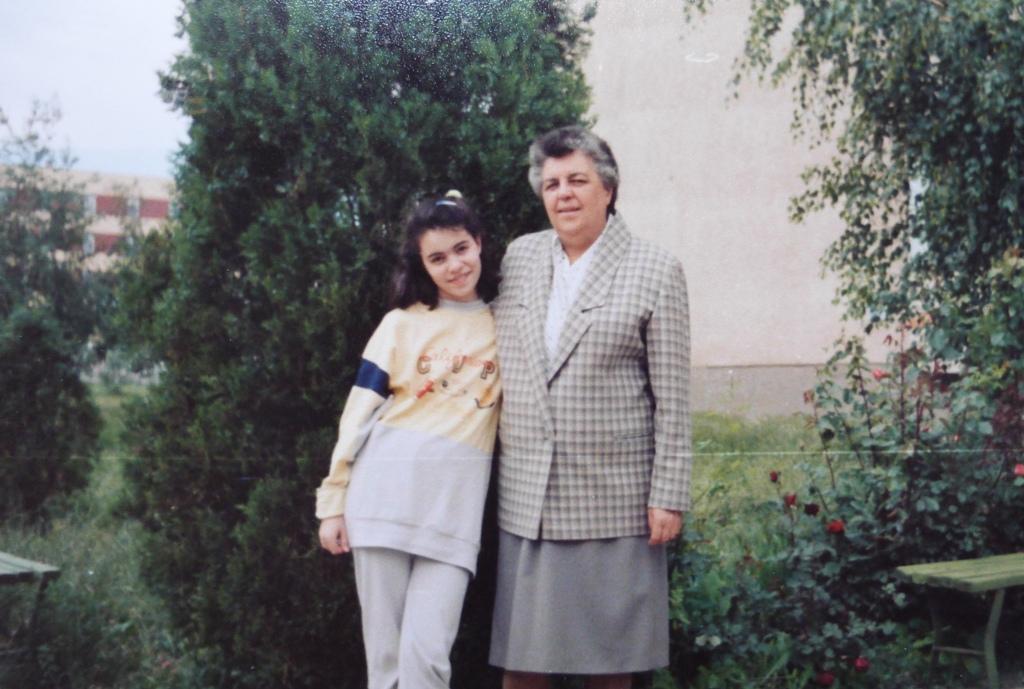 Баба и Тики Новини