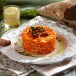 Салата от моркови с карамелизирани орехи 150x150 Салати