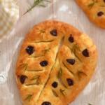 Фугас с розмарин и маслини 150x150 Хлябове и крекери