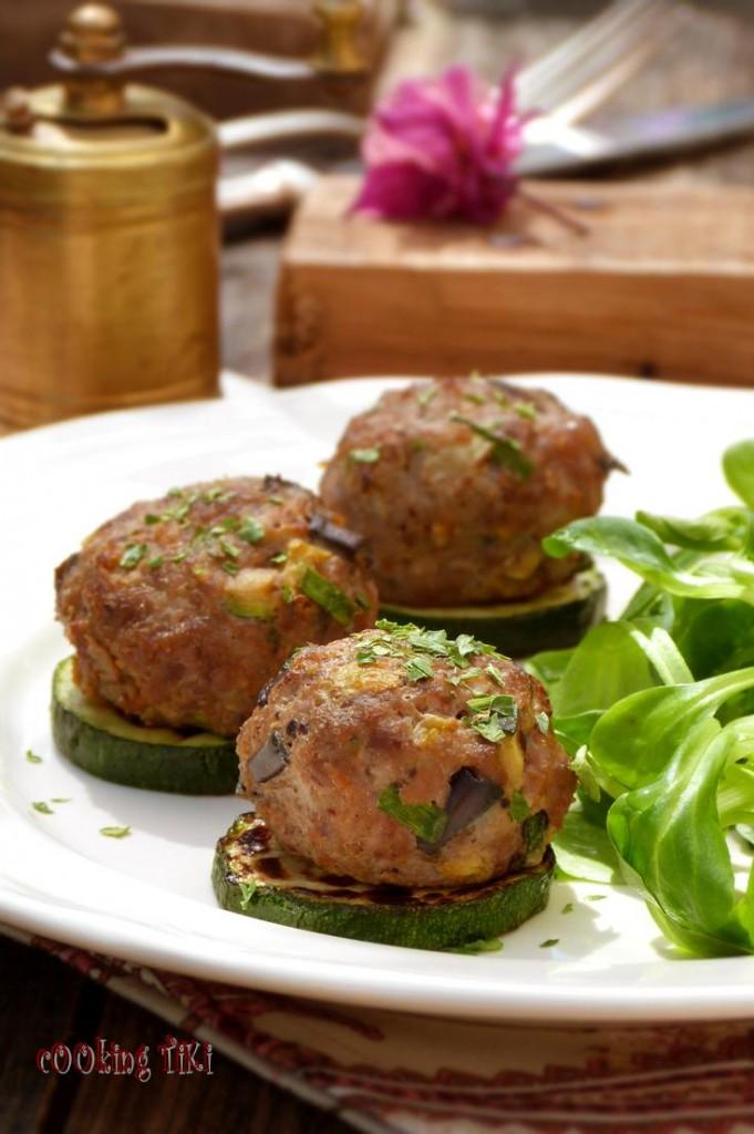 Кюфтета с месо и зеленчуци 3 681x1024 Кюфтета с месо и зеленчуци