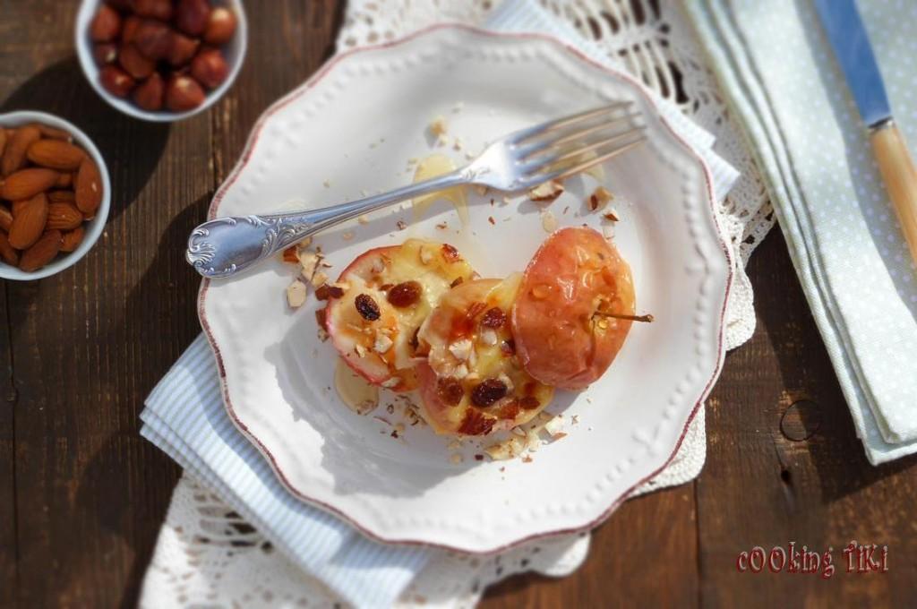 Печени ябълки със сирене и ядки 3 1024x680 Печени ябълки със сирена и ядки