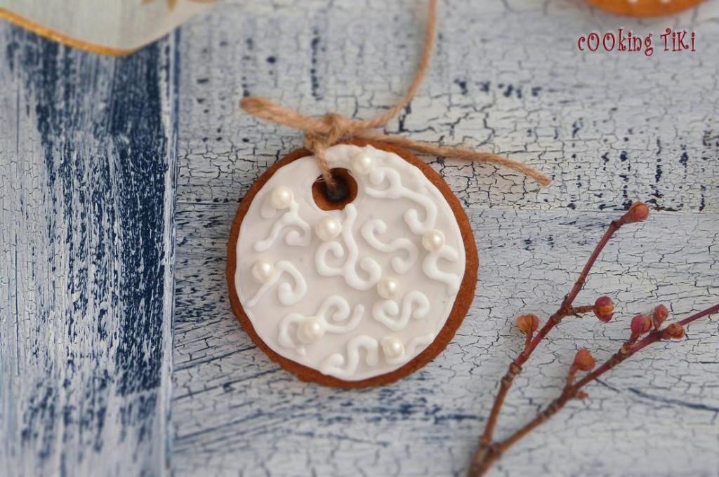 Коледни сладки за елха 1222 1024x680 Biscuits de Noël pour le sapin