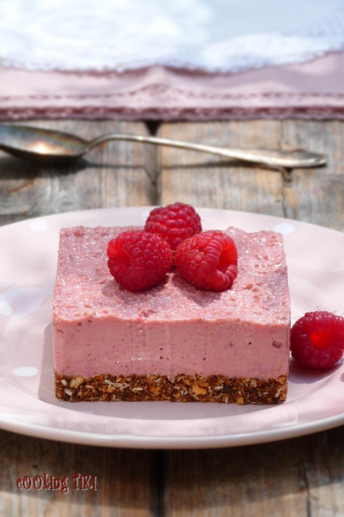 Веган чийзкейк с малини 21 681x1024 Vegan raspberry cheesecake