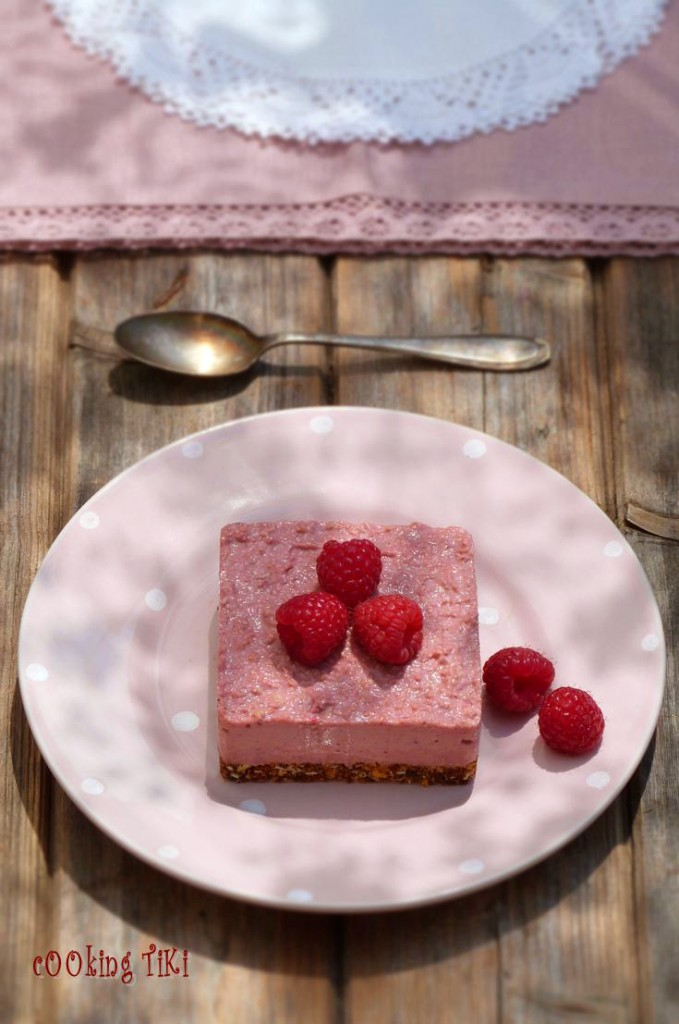 Веган чийзкейк с малини1 679x1024 Vegan raspberry cheesecake