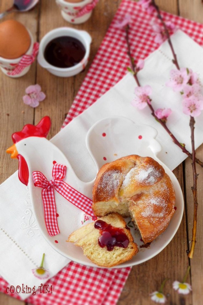 Мини козунаци с желе от френско грозде2 682x1024 Easter buns with currant jelly