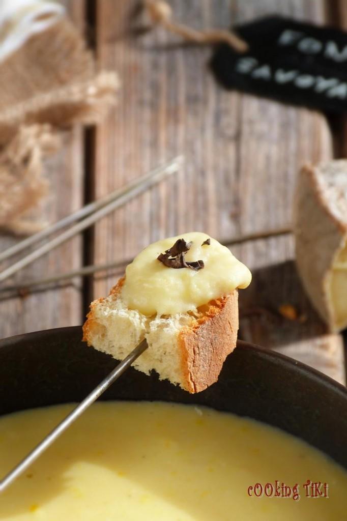 Фондю савойард с тръбенка 22 682x1024 Savoyard fondue