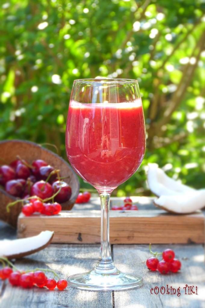 Смути с малини и кокос 21 681x1024 Raspberry and coconut smoothie